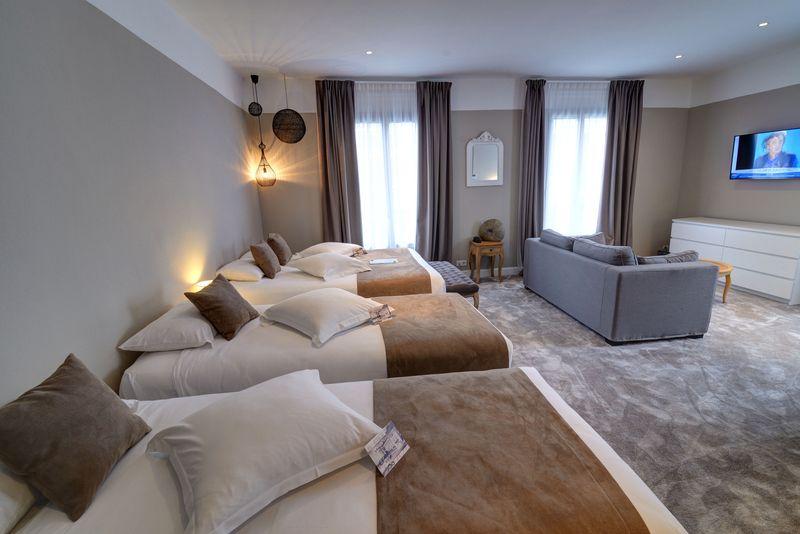 Chambre quadruple grand hotel richelieu for Chambre quadruple